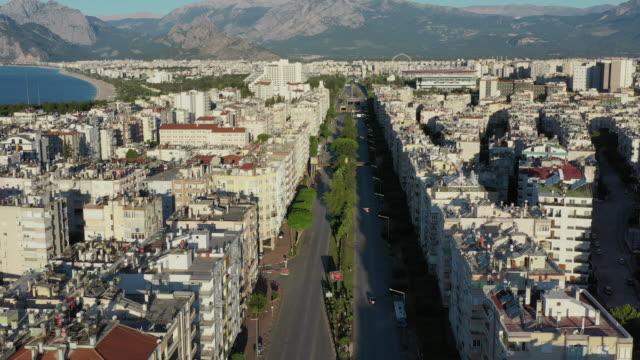 empty city - strada vuota video stock e b–roll