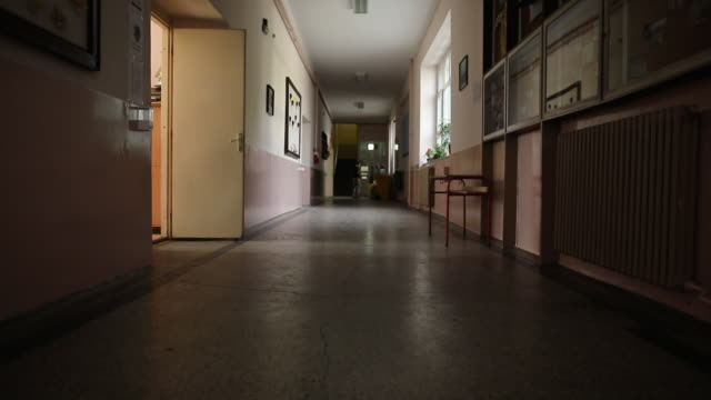 empty corridor of elementary school - corridor stock videos & royalty-free footage