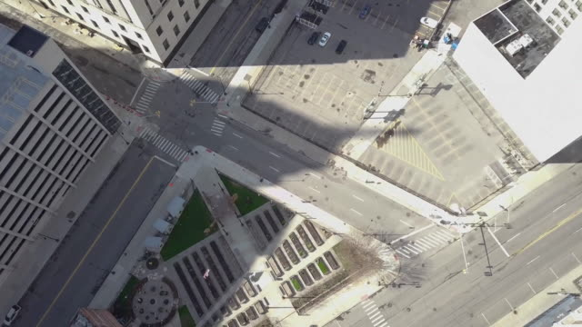 empty detroit street during the covid-19 pandemic - dutcheraerials covid stock videos & royalty-free footage