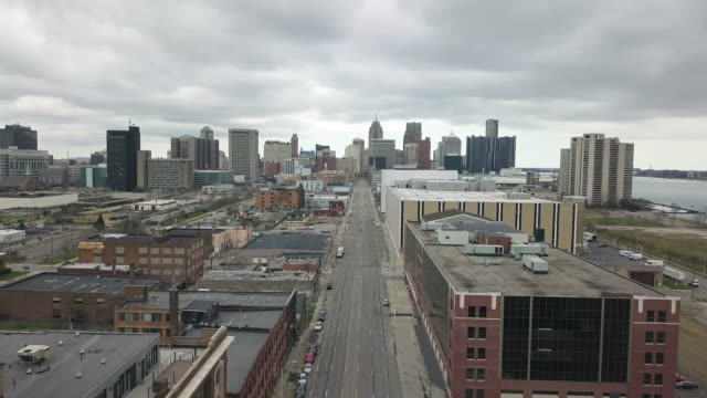 empty detroit street during the covid-19 pandemic - detroit michigan stock videos & royalty-free footage