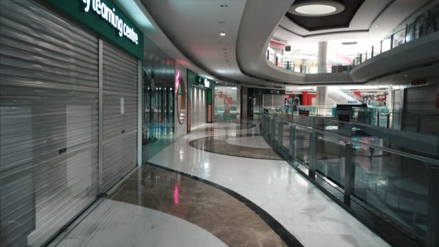 empty downtown jakarta shopping mall  during the covid-19 pandemic - strada vuota video stock e b–roll