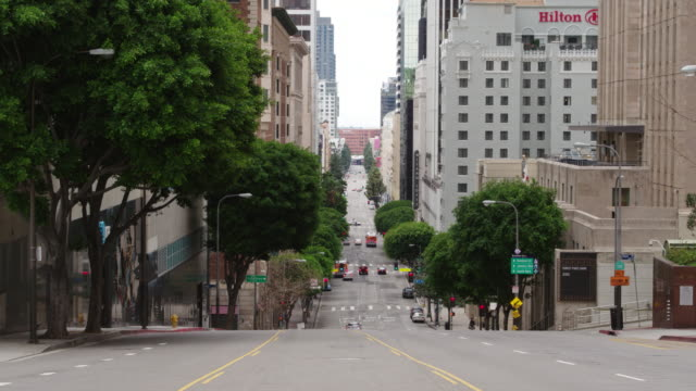 empty downtown los angeles street during the covid-19 pandemic - dutcheraerials covid stock videos & royalty-free footage