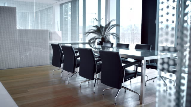 ds empty elegant conference room - dolly shot stock videos & royalty-free footage