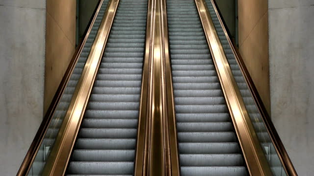 ms empty escalators moving in different directions / cologne, north-rhine westphalia - abwesenheit stock-videos und b-roll-filmmaterial