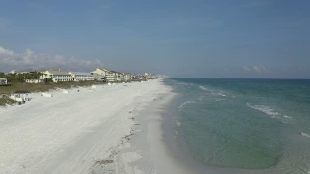 empty florida beaches aerial - seegras material stock-videos und b-roll-filmmaterial