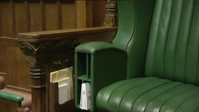 stockvideo's en b-roll-footage met empty house of commons chamber sequence of speakers chair and gallery - house of commons