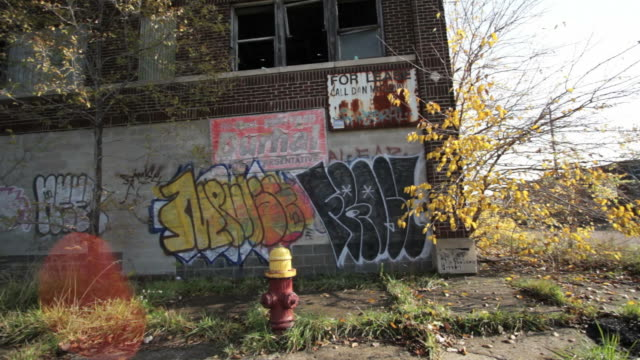 empty houses in suburbs detroit, usa - bad condition stock videos & royalty-free footage