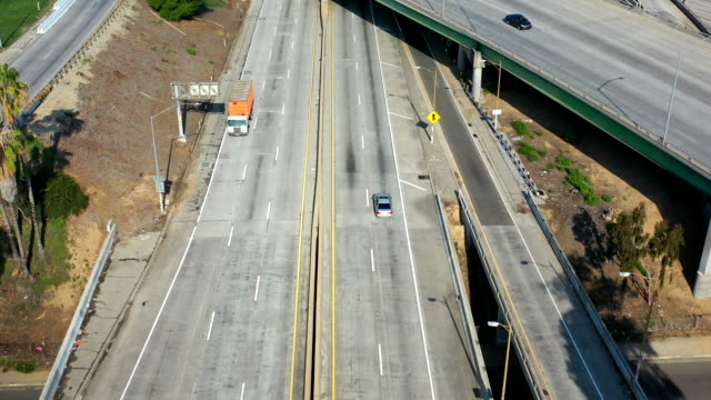 empty los angeles freeways during coronavirus pandemic - city of los angeles stock videos & royalty-free footage