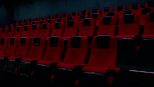 空の映画館の座席 - 席点の映像素材/bロール