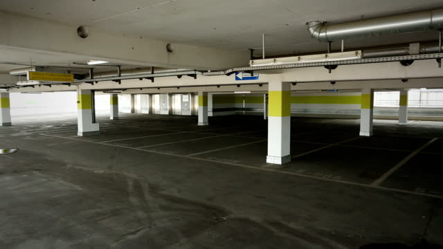 leere garage - parken stock-videos und b-roll-filmmaterial