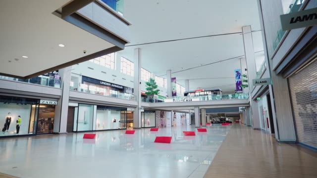 empty places without people - shopping mall stock videos & royalty-free footage