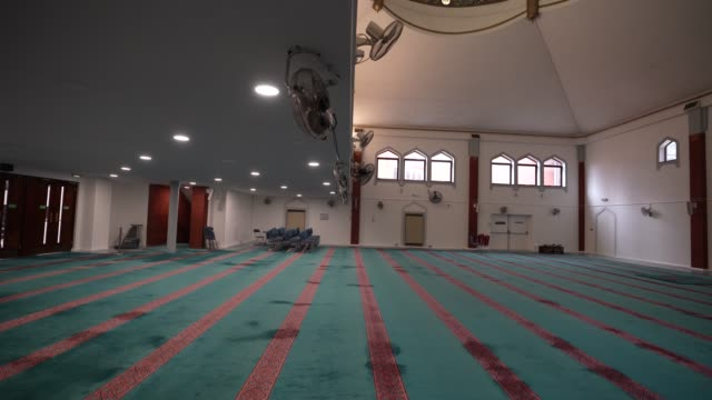 a empty prayer space at east london mosque – one of the biggest in europe with a capacity of 7 serving the uk's largest muslim community the holy... - religious celebration stock videos & royalty-free footage