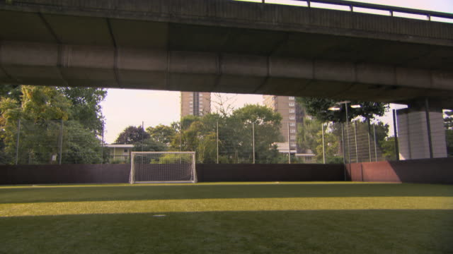 ws empty soccer field, london, uk - football pitch stock videos & royalty-free footage