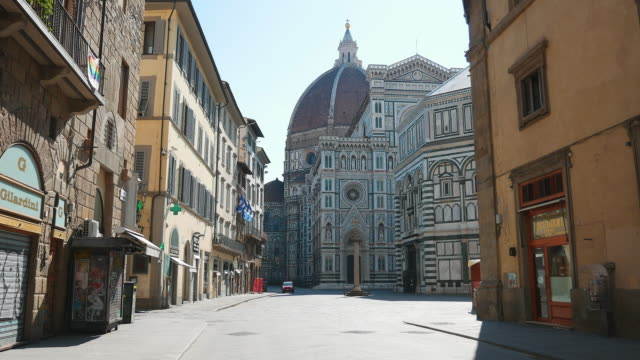 empty street and cathedral - florence italy stock videos & royalty-free footage