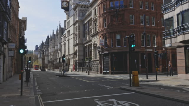empty streets during the lockdown in london - royal courts of justice stock videos & royalty-free footage