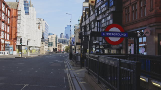 empty streets during the lockdown in london - tourism stock videos & royalty-free footage