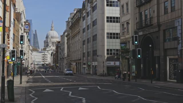 empty streets during the lockdown in london - sunny stock videos & royalty-free footage