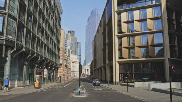 vidéos et rushes de empty streets during the lockdown in london - place