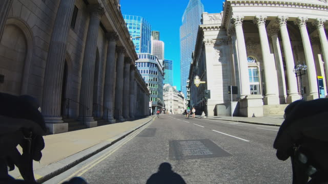 empty streets during the lockdown in london - recreational pursuit stock videos & royalty-free footage