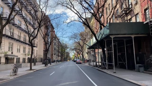 empty streets in manhattan, new york city, during covid-19 quarantine - strada vuota video stock e b–roll
