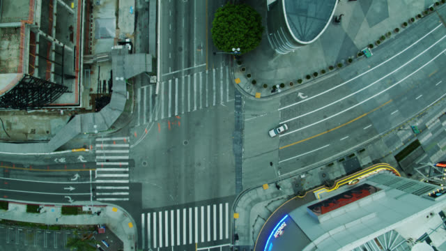 empty la streets near staples center during covid-19 lockdown - quarantena video stock e b–roll
