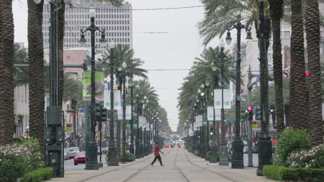 empty streets of new orleans during the covid19 lockdown in new orleans louisiana us on wednesday april 8 2020 - diminishing perspective stock videos & royalty-free footage