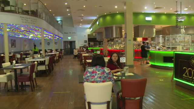 empty tables in new restaurant in peterborough that opened just before coronavirus lockdown - decor stock videos & royalty-free footage