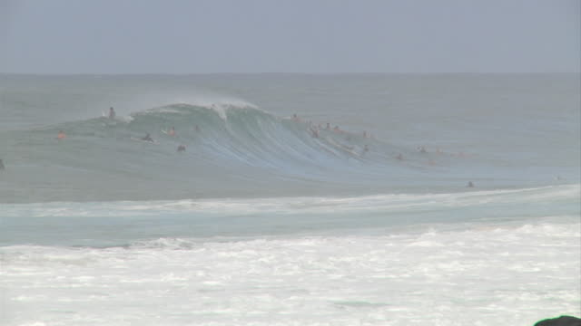 empty wave at pipeline 2 - pipeline wave stock videos and b-roll footage