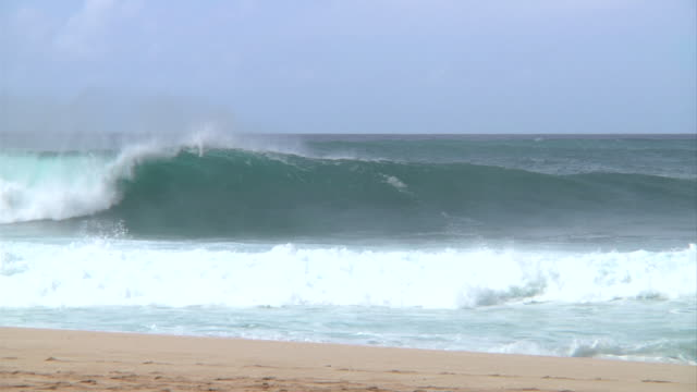 empty wave at pipeline 5 - pipeline stock videos and b-roll footage