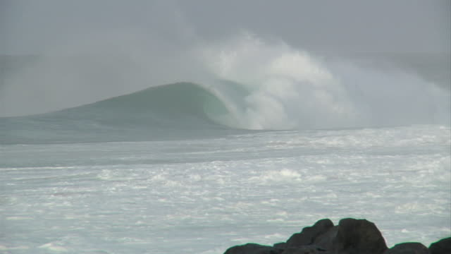empty wave at pipeline - pipeline wave stock videos and b-roll footage