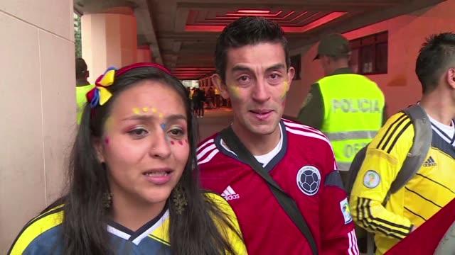 en colombia las lagrimas por la derrota ante brasil se mezclaban con el orgullo de todo un pais por una seleccion que hizo historia al llegar por... - tristeza stock videos and b-roll footage