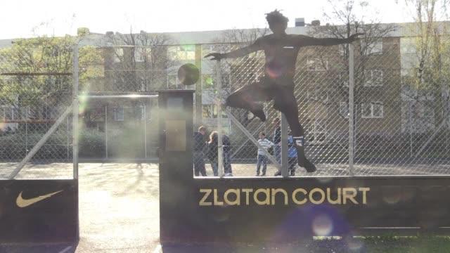 En el barrio de clase trabajadora donde crecio el futbolista sueco Zlatan Ibrahimovic confian en que despliegue su magia durante la Eurocopa