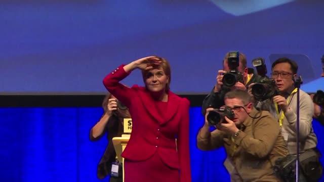 en el cierre del congreso del gobernante partido nacional escoces la primera ministra nicola sturgeon afirmo que no duda de la proxima independencia... - reino unido stock videos & royalty-free footage