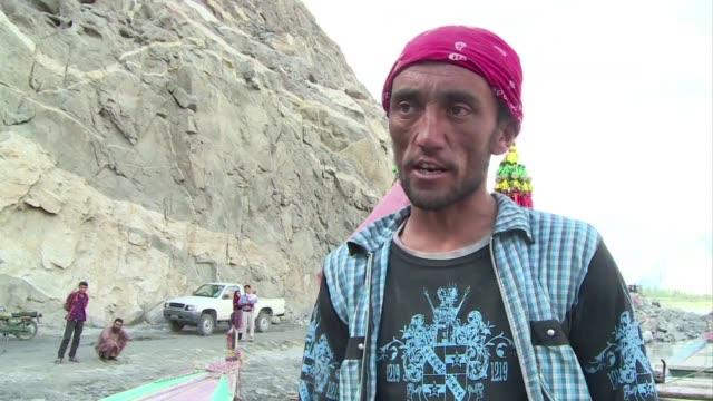 stockvideo's en b-roll-footage met en el norte de pakistan el deshielo de los glaciares amenaza las reservas de agua como nunca antes y los cientificos advierten de que la seguridad... - agricultura