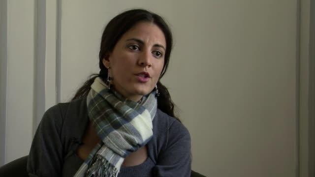 vídeos y material grabado en eventos de stock de en entrevista con la afp rosa paya pidio al gobierno de chile que respalde una investigacion independiente para esclarecer la muerte de su padre el... - una rosa