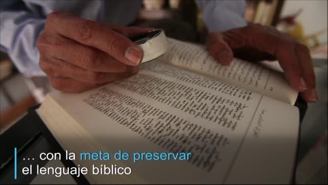 en malula un pequeno pueblo de siria el arameo se transmitia de generacion en generacion - cristianismo stock videos & royalty-free footage