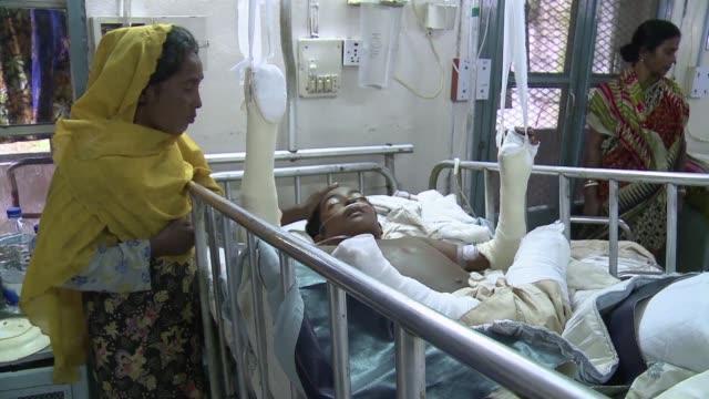 en sus ultimas horas de vida azizul haque no tenia ni fuerzas para gritar de dolor en la cama del hospital de banglades cercano a birmania donde... - minas stock videos and b-roll footage