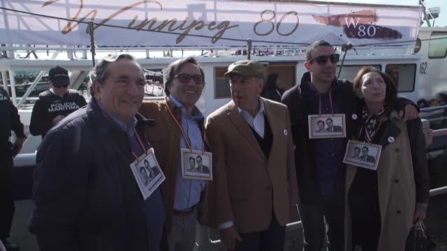 en valparaiso el mismo lugar que les dio la bienvenida en 1939 se conmemoraron este martes los 80 anos del arribo a chile del barco winnipeg fletado... - guerra civil stock videos and b-roll footage