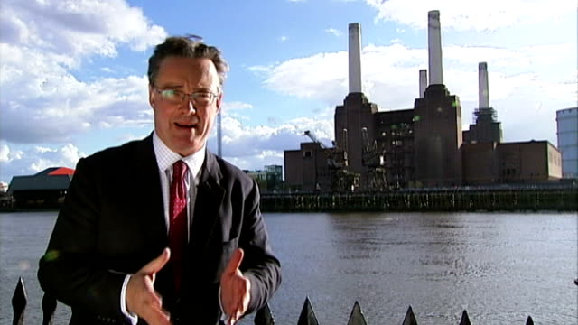 stockvideo's en b-roll-footage met energy companies appear before select committee to account for their high prices; london: ext reporter to camera - verschijning