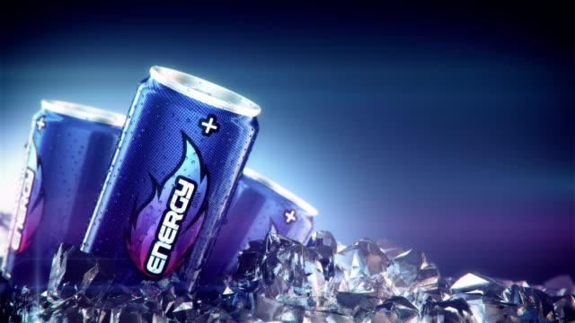 エネルギー飲み物は氷を通過します。
