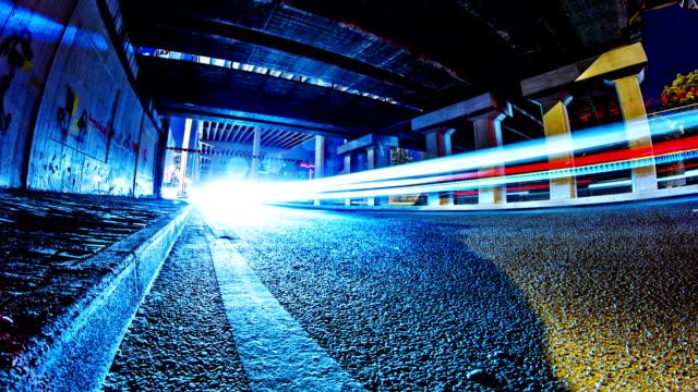 energiefluss timelapse - autoscheinwerfer stock-videos und b-roll-filmmaterial