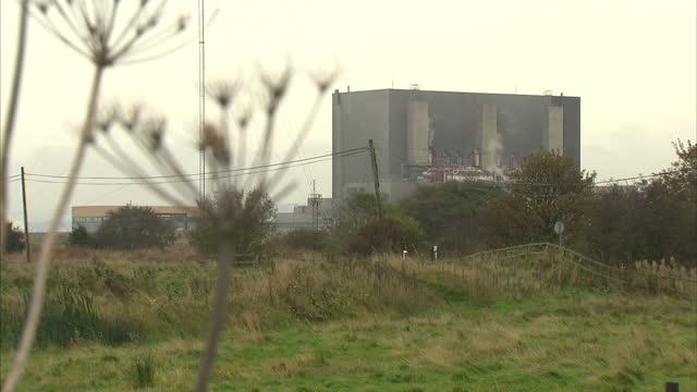 edf energy nuclear power station on october 21 2013 in hartlepool england - イングランド カウンティ・ダラム点の映像素材/bロール