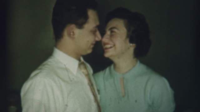 stockvideo's en b-roll-footage met engaged 1958 - romance
