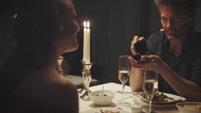 vídeos de stock e filmes b-roll de engagement ring - noiva