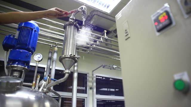 Engineer open pumping Steam