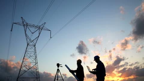 ingenjören arbetstagare - energiproduktion bildbanksvideor och videomaterial från bakom kulisserna