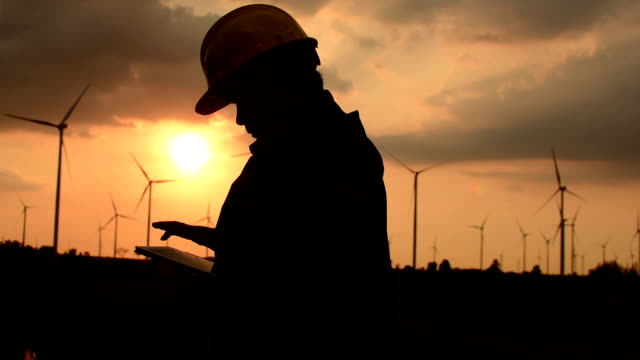 Ingenieur Windenergieanlagen Sonnenuntergang