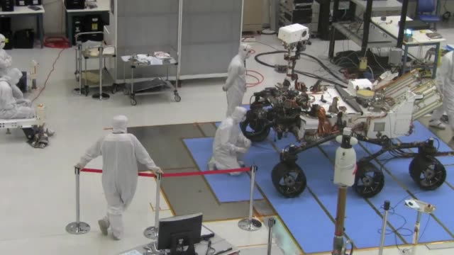 engineers and technicians at nasa's jet propulsion laboratory pack up the mars rover curiosity for its relocation to kennedy space center - curiosity stock videos & royalty-free footage
