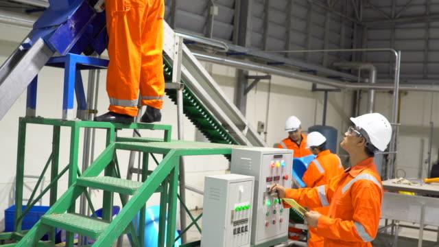engineers working in industrial factory - oil industry stock videos & royalty-free footage