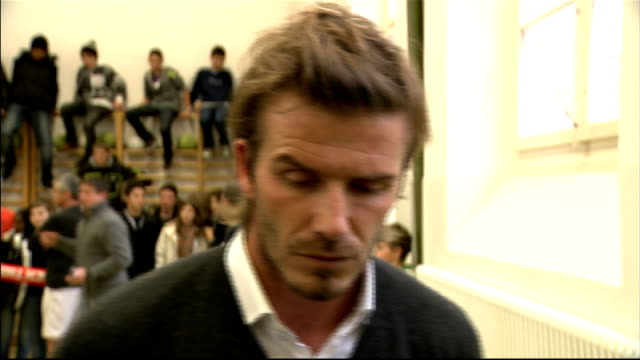 vidéos et rushes de david beckham arrival and interview beckham interview sot similarities are that we are being talked of as underdogs people expected france to get it... - endurance